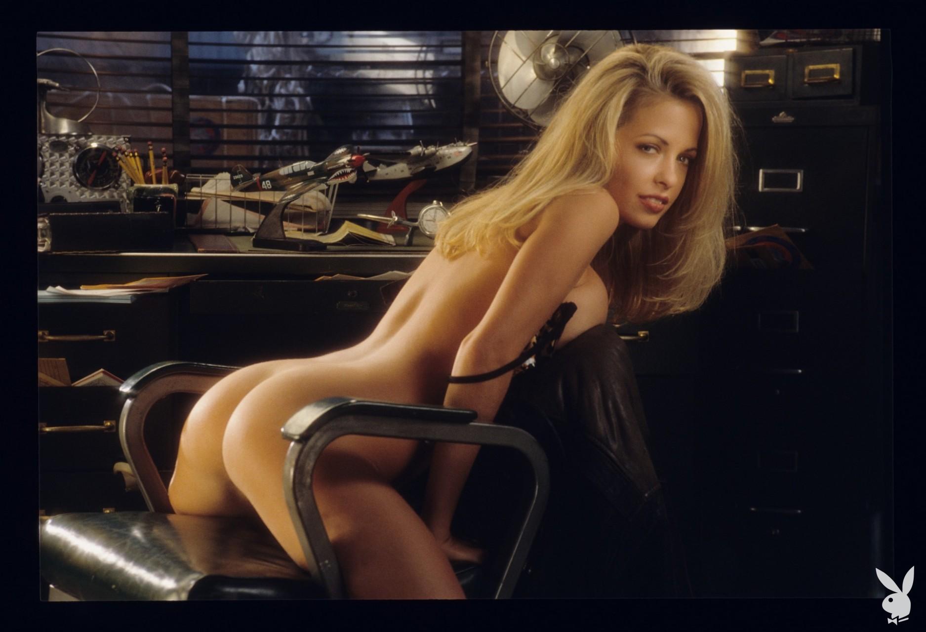Playmate June 1995 Rhonda Adams Playboy Plus (9)
