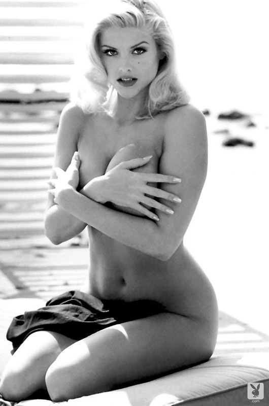 Playmate Of The Year 1993 Anna Nicole Smith (10)