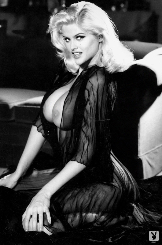 Playmate Of The Year 1993 Anna Nicole Smith (9)