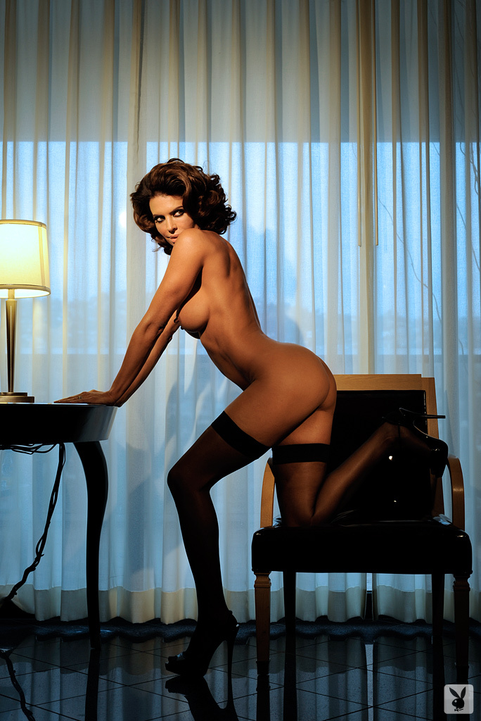 Sexy Tv Personality Lisa Rinna Nude On Playboy Plus! (12)