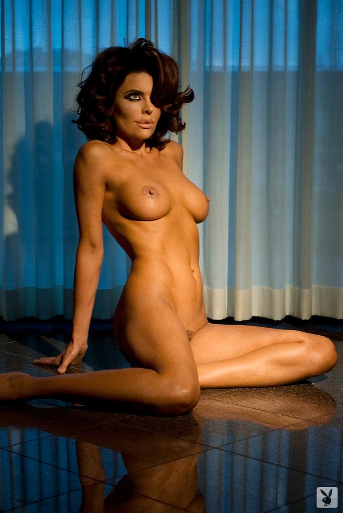 Sexy Tv Personality Lisa Rinna Nude On Playboy Plus! (13)