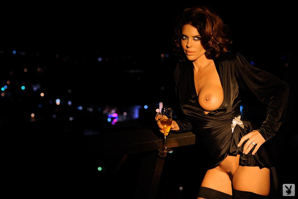 Sexy Tv Personality Lisa Rinna Nude On Playboy Plus! (15)