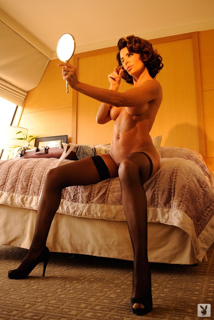 Sexy Tv Personality Lisa Rinna Nude On Playboy Plus! (16)