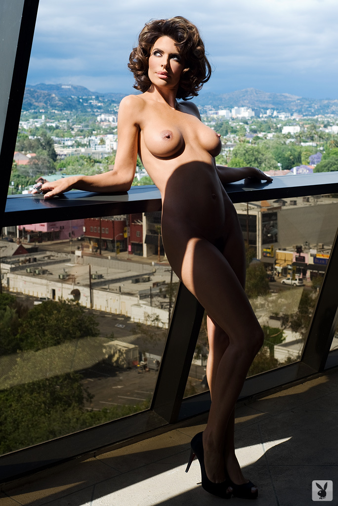 Sexy Tv Personality Lisa Rinna Nude On Playboy Plus! (18)