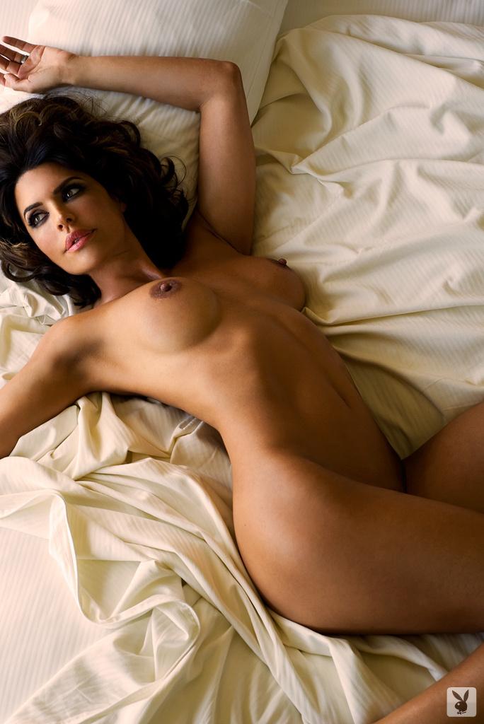 Sexy Tv Personality Lisa Rinna Nude On Playboy Plus! (20)