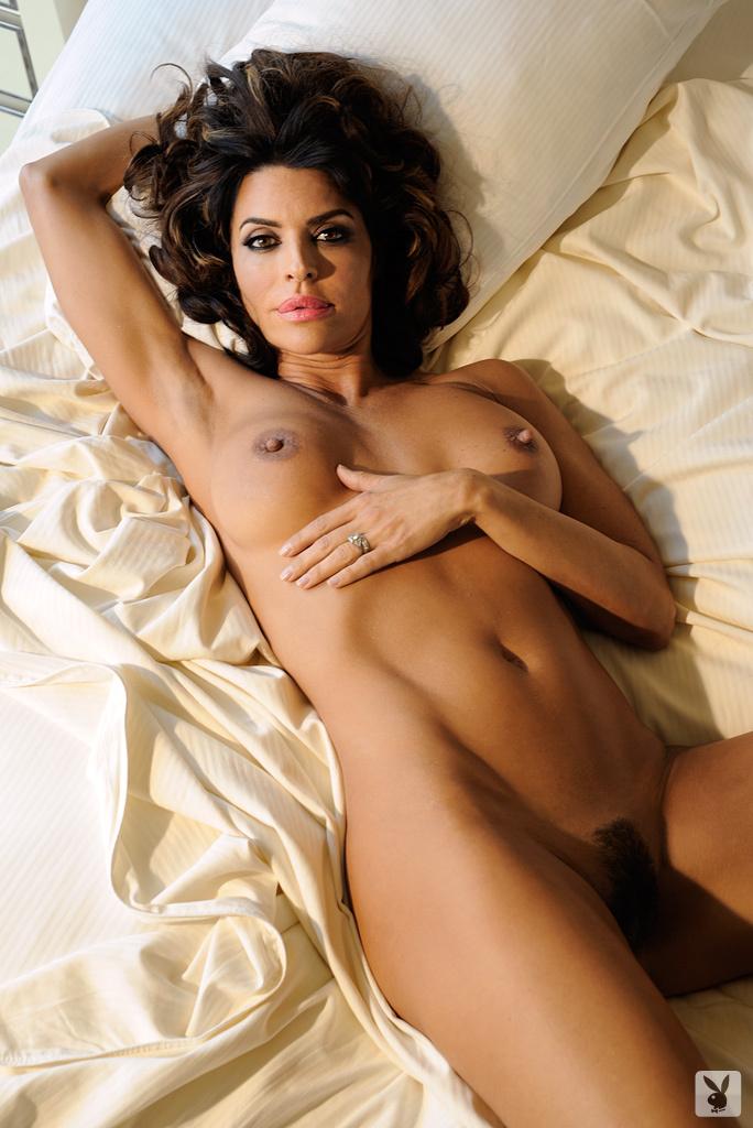 Sexy Tv Personality Lisa Rinna Nude On Playboy Plus! (21)