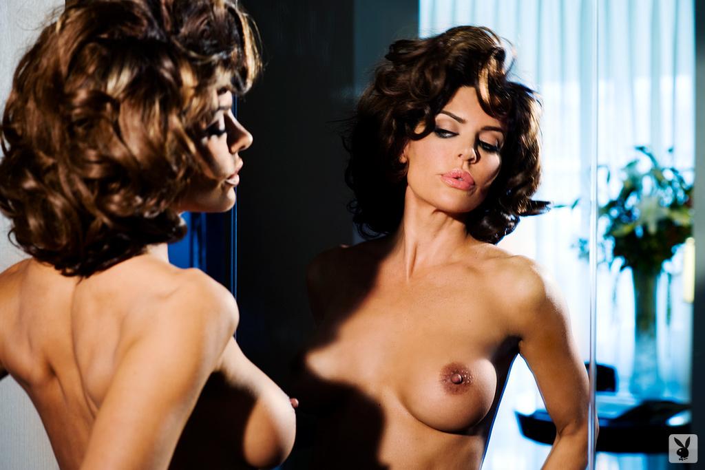 Sexy Tv Personality Lisa Rinna Nude On Playboy Plus! (23)