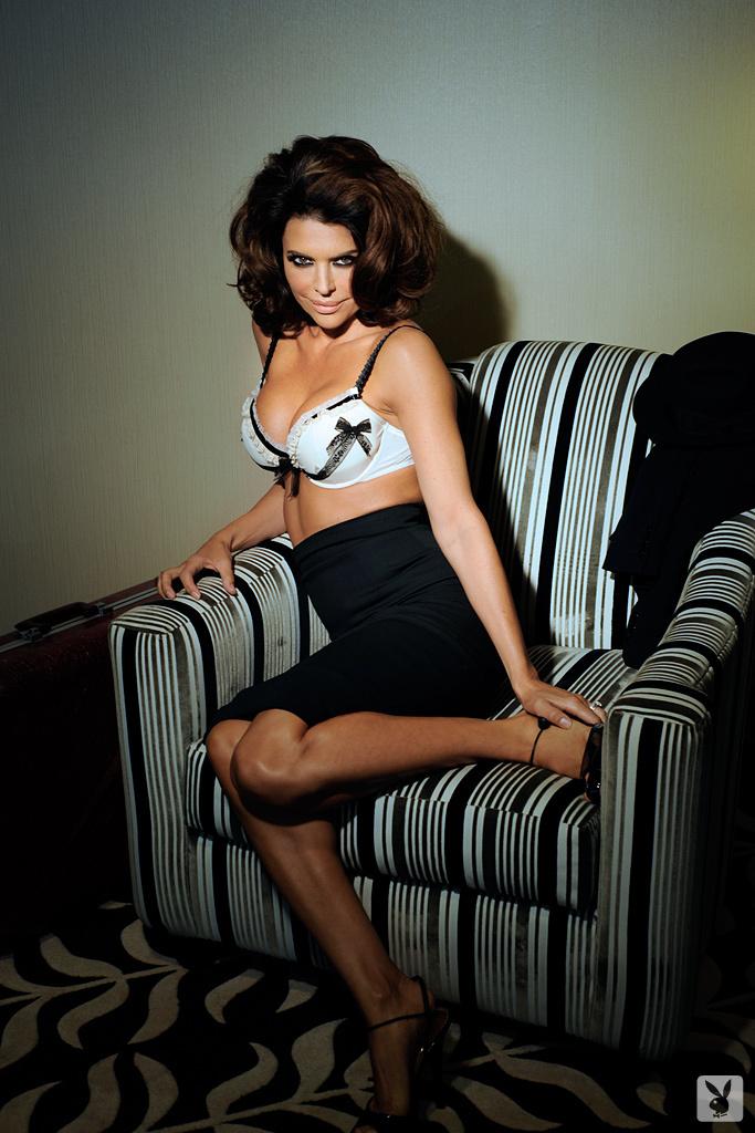 Sexy Tv Personality Lisa Rinna Nude On Playboy Plus! (5)