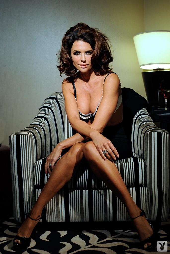 Sexy Tv Personality Lisa Rinna Nude On Playboy Plus! (6)