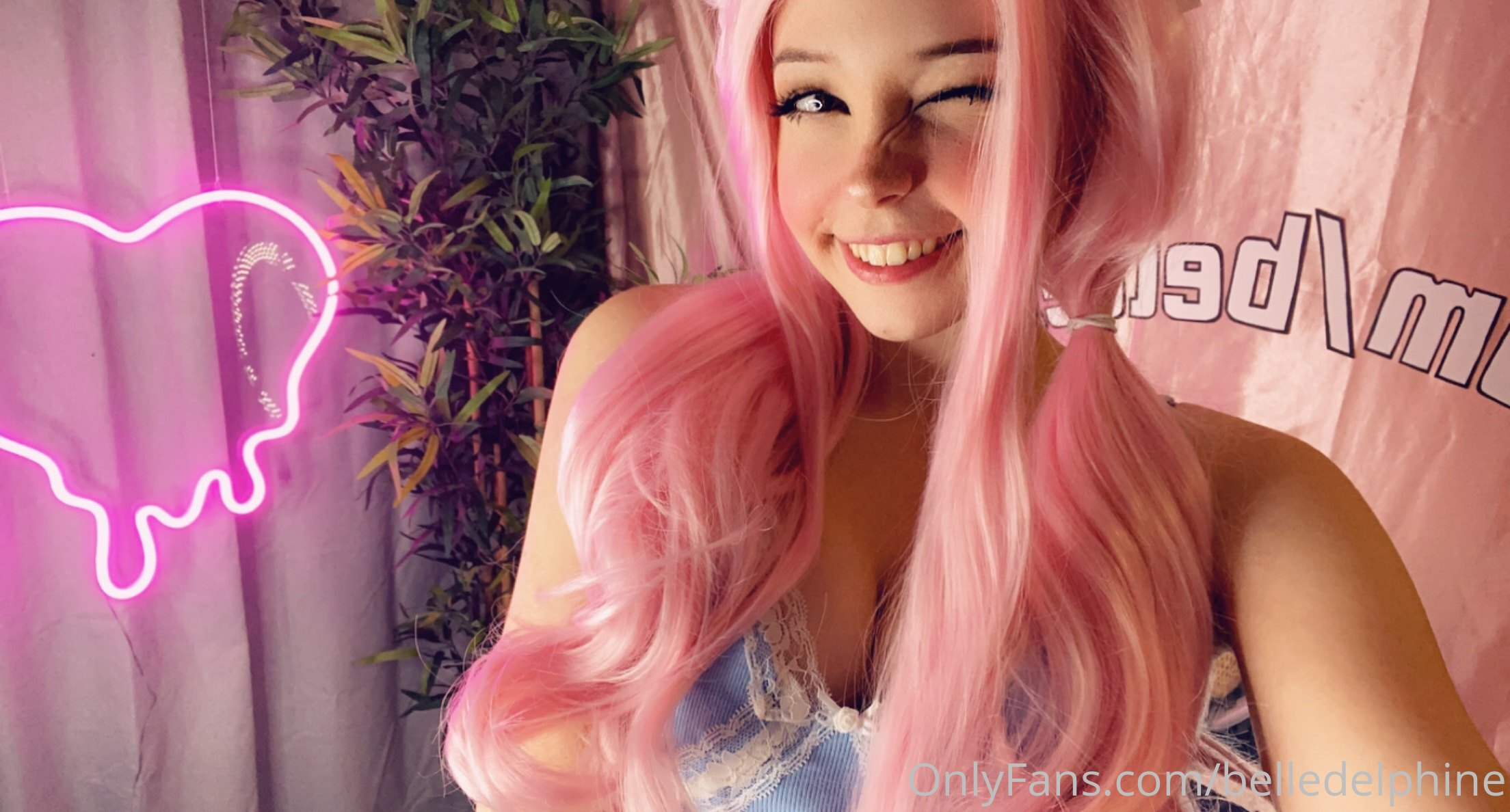 Belle Delphine Onlyfans Pink Hair Bunny 0002