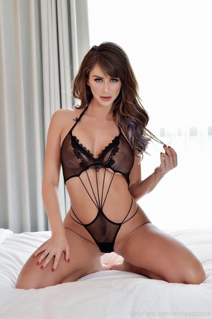 Emi Addsion Sexy Photos Onlyfans 0026