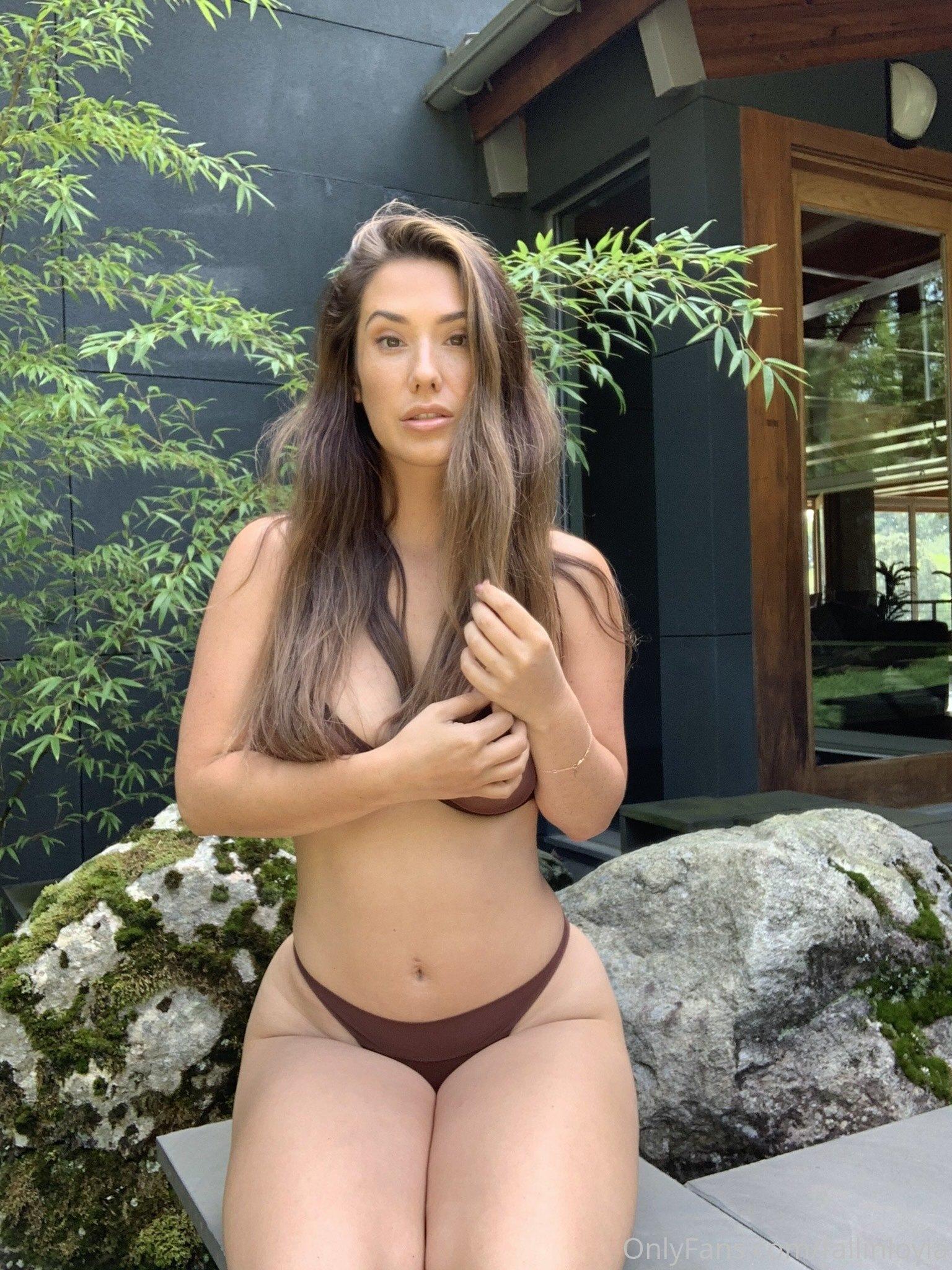 Eva Lovia, Fallinlovia, Onlyfans 0122