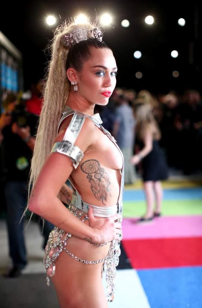 Miley Cyrus, Nude 0006