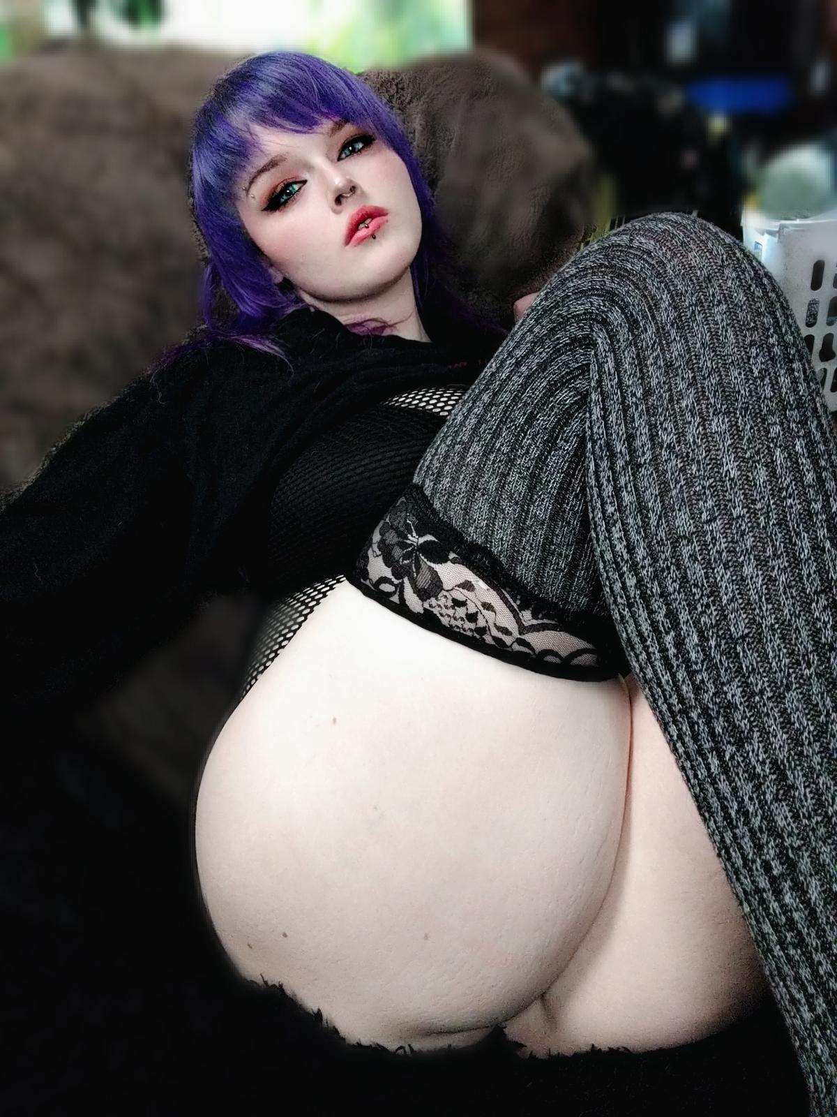 Poofychan's Slutty Goth E Girl Cosplay 0056