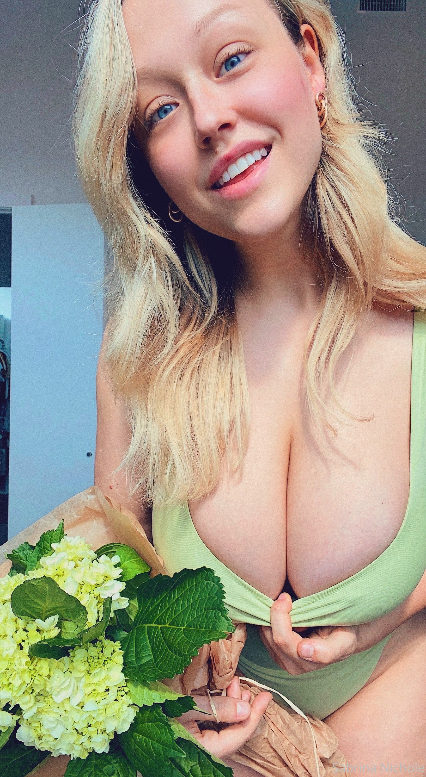 Sabrina Nichole 0137