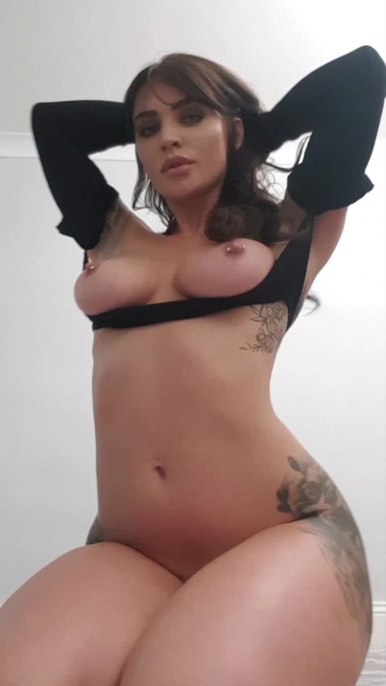 Scarlet Bouvier Nude Photos Onlyfans 0075