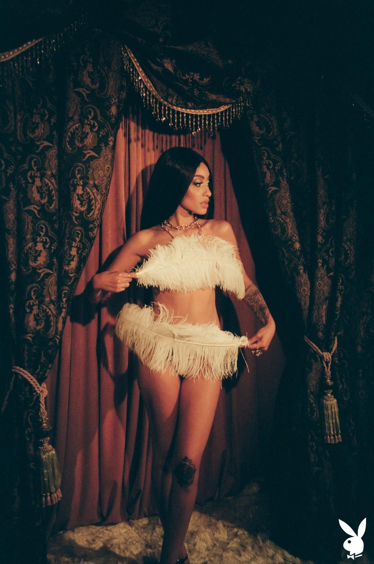 Sunni In Performance Art Playboy Plus (21)