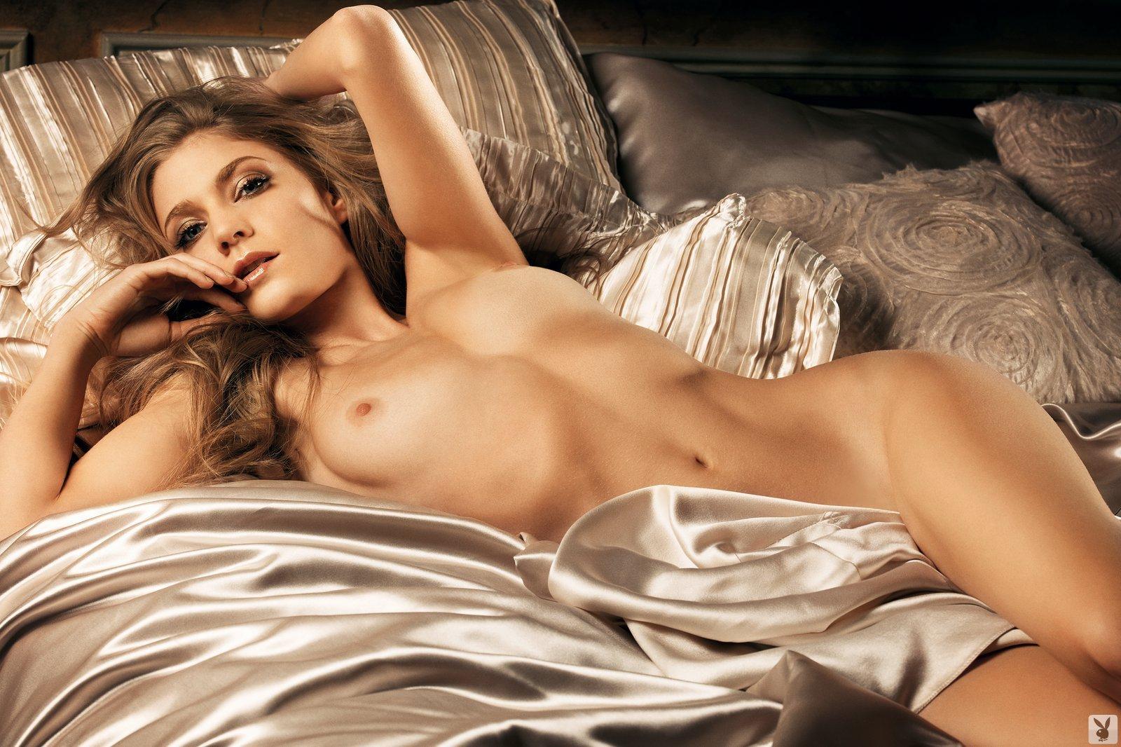 Winter Ave Zoli, Nude On Playboy Plus (16)