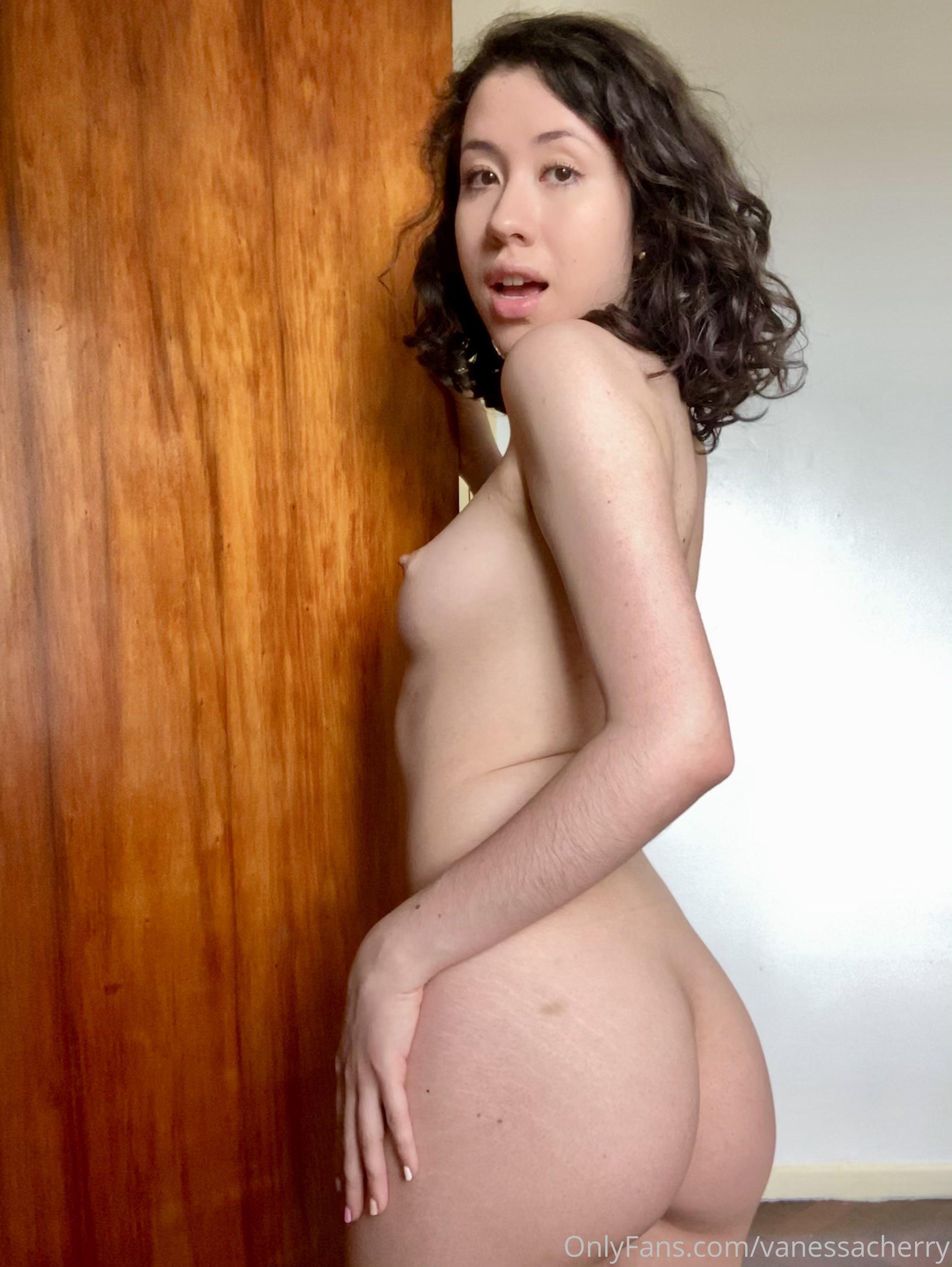 Vanessacherry 0075