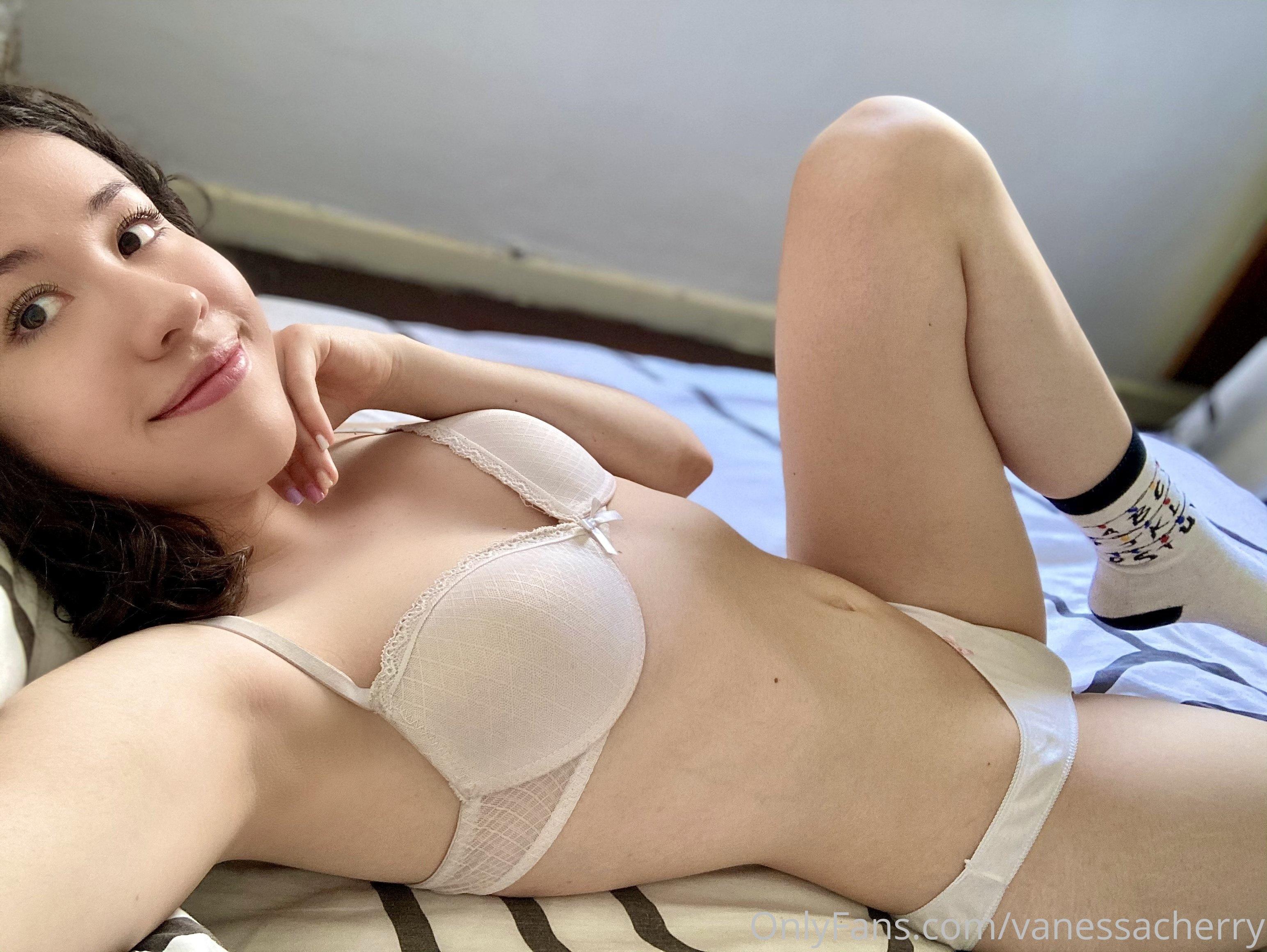Vanessacherry 0310