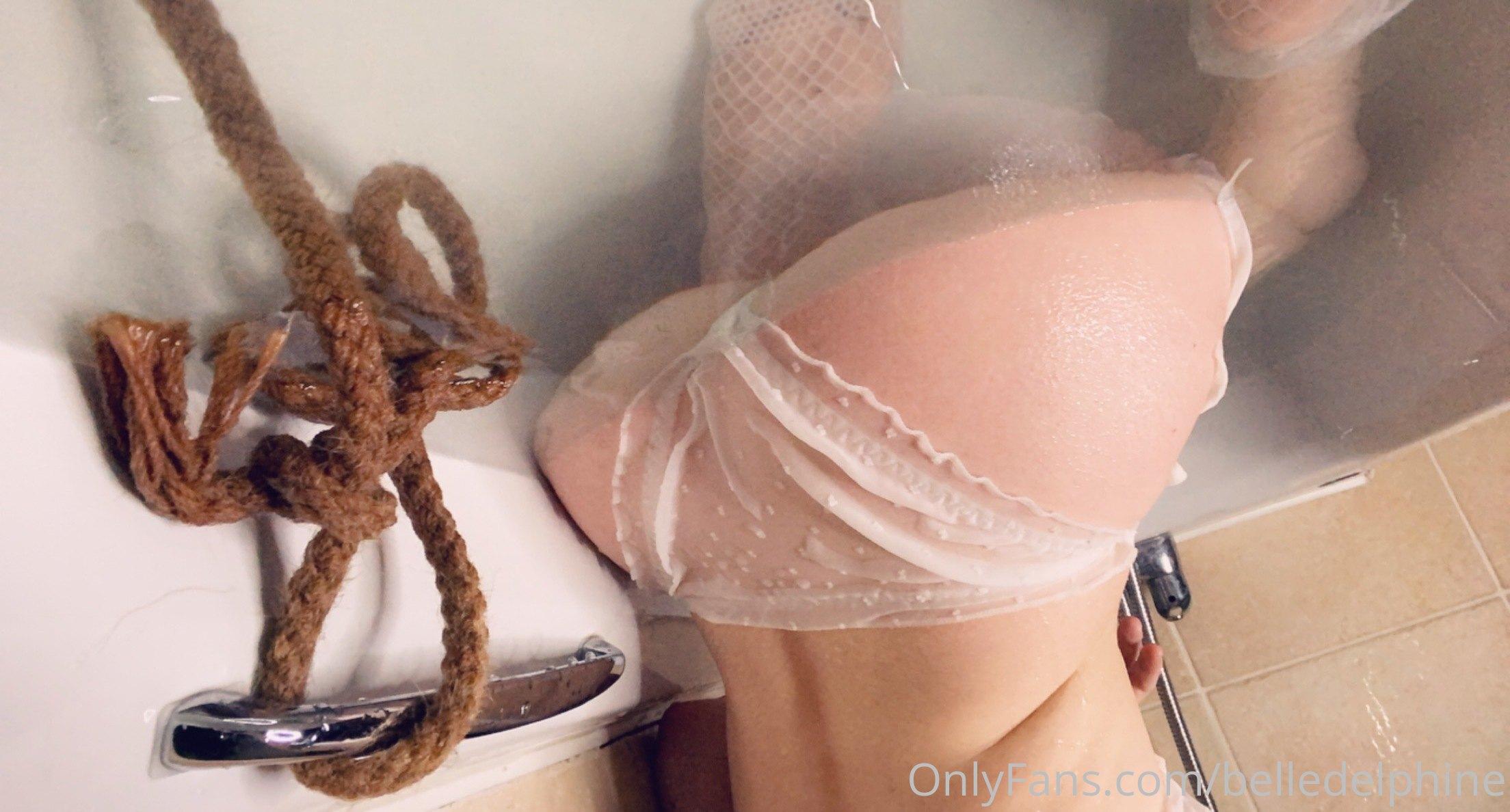 Belle Delphine Nude In Bathroom Full Set 0014