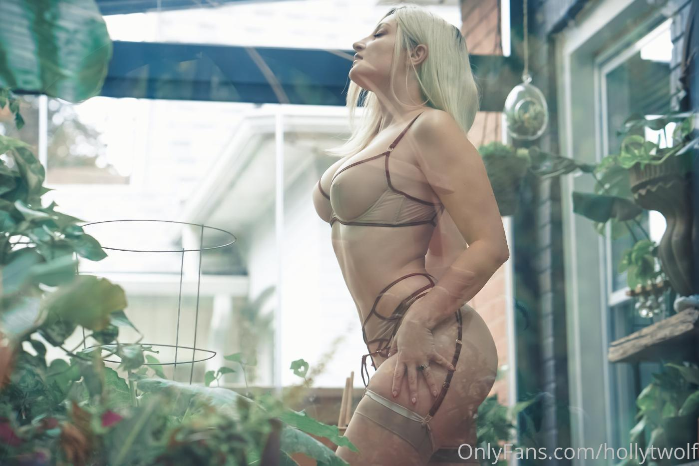 Holly Wolf Onlyfans Content Leaked 0031
