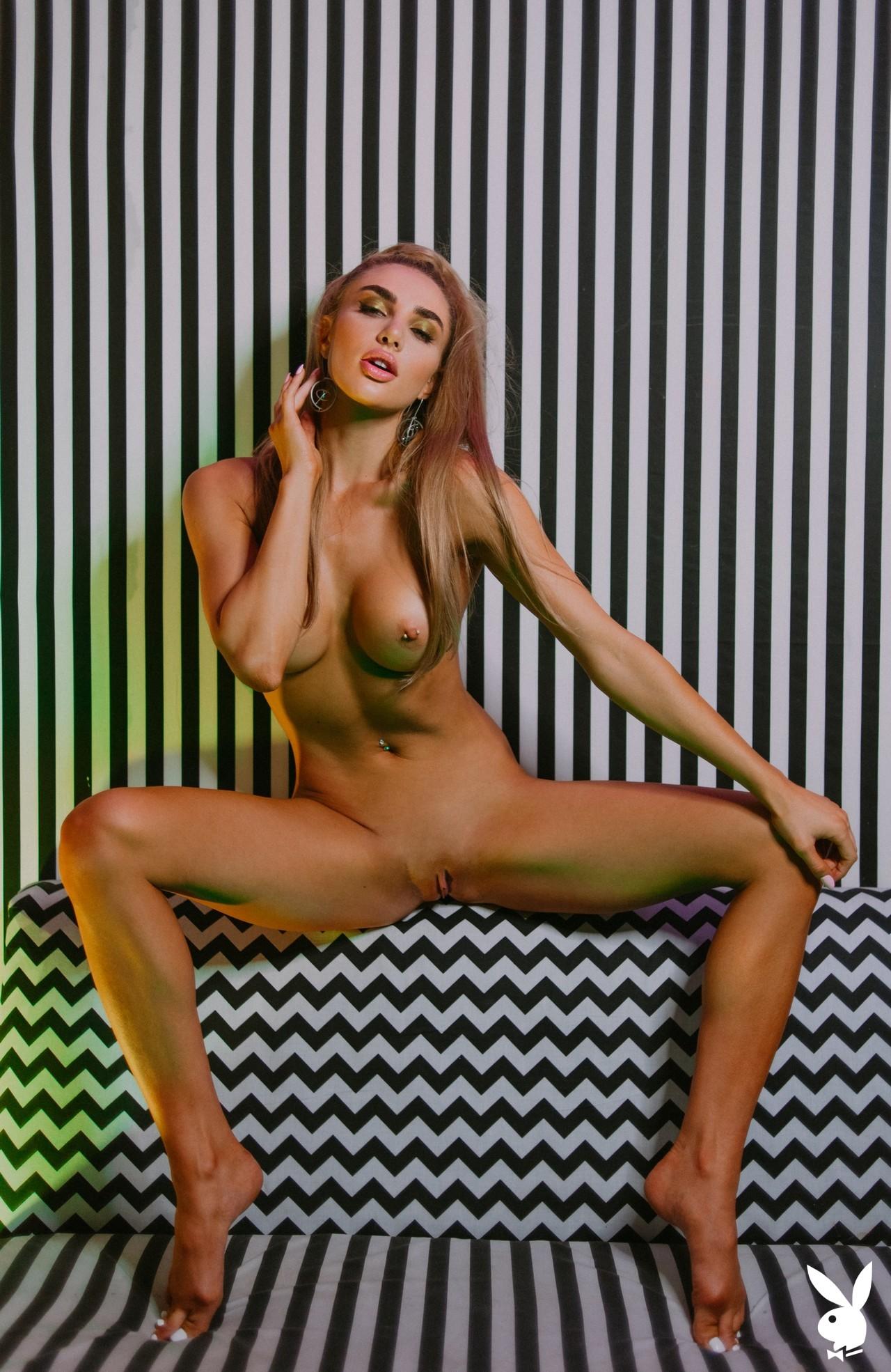 Miss Kenzie Anne (32)