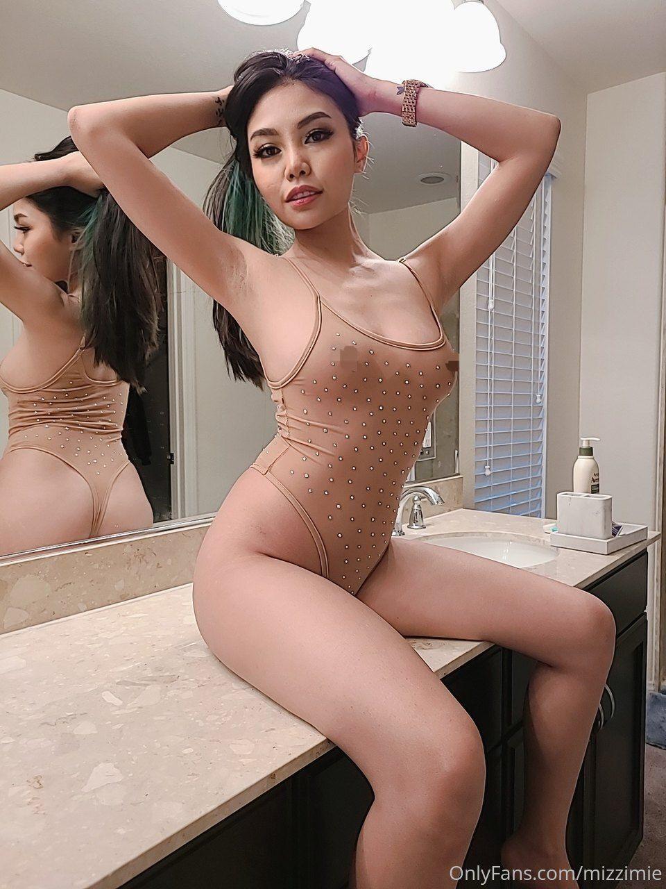 Mizzi Mie Nude Photos 0044