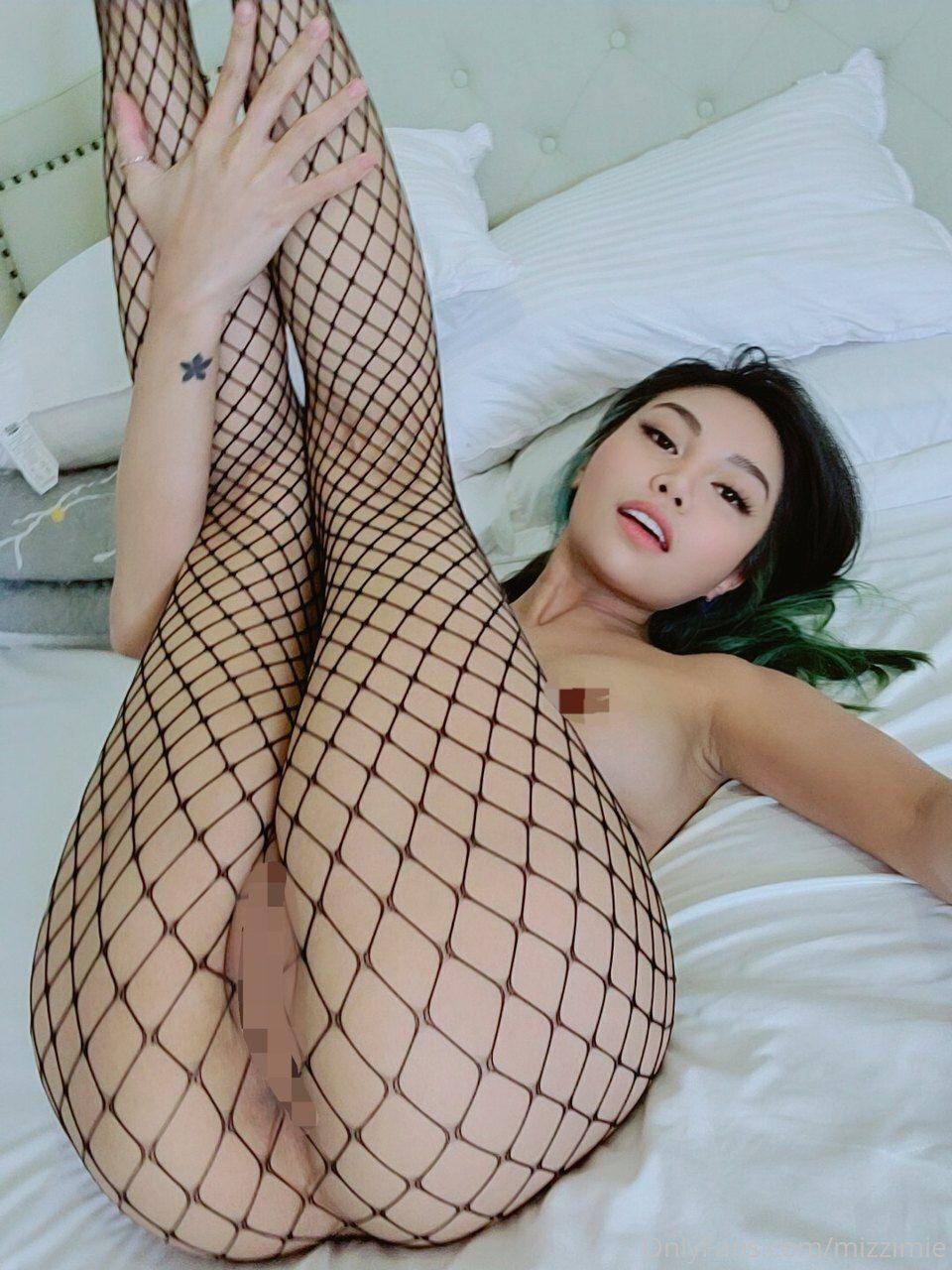 Mizzi Mie Nude Photos 0053