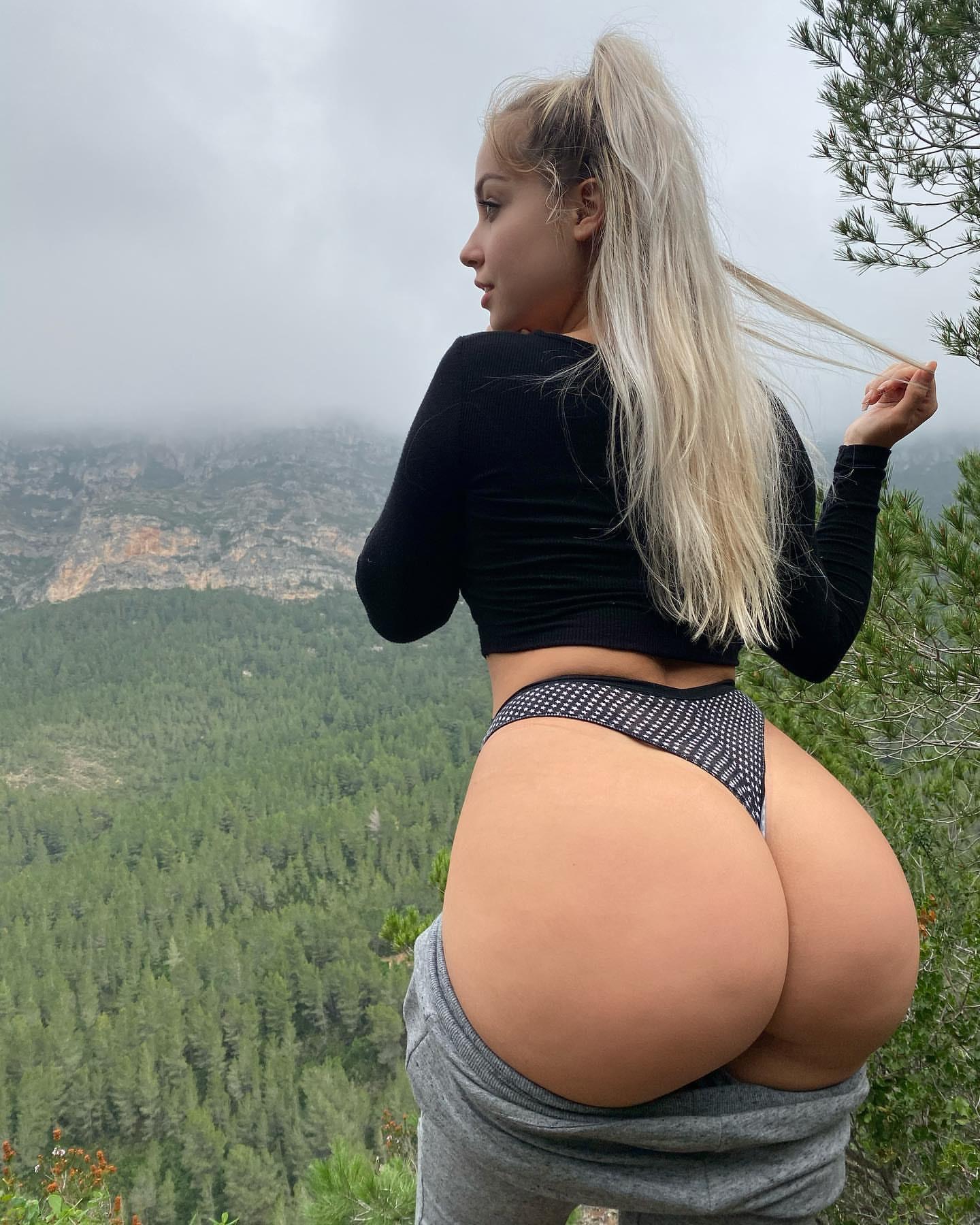 Paola Skye 0044
