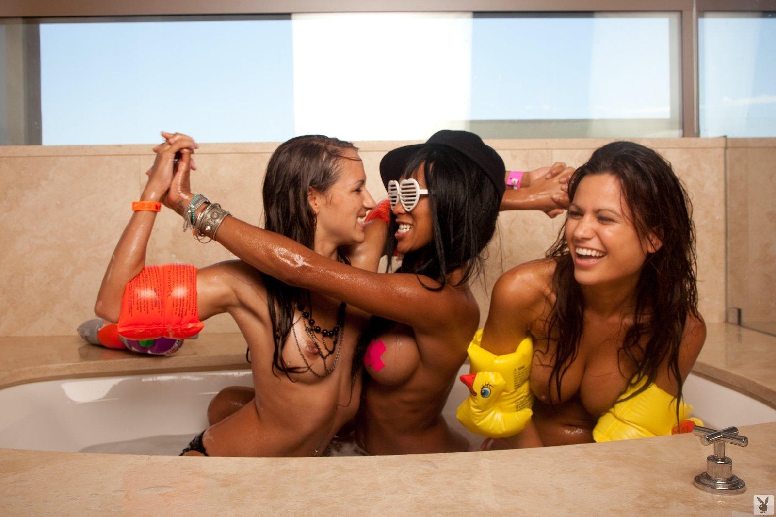 Playboy's Beach House Episode 02 Playboy Plus (3)