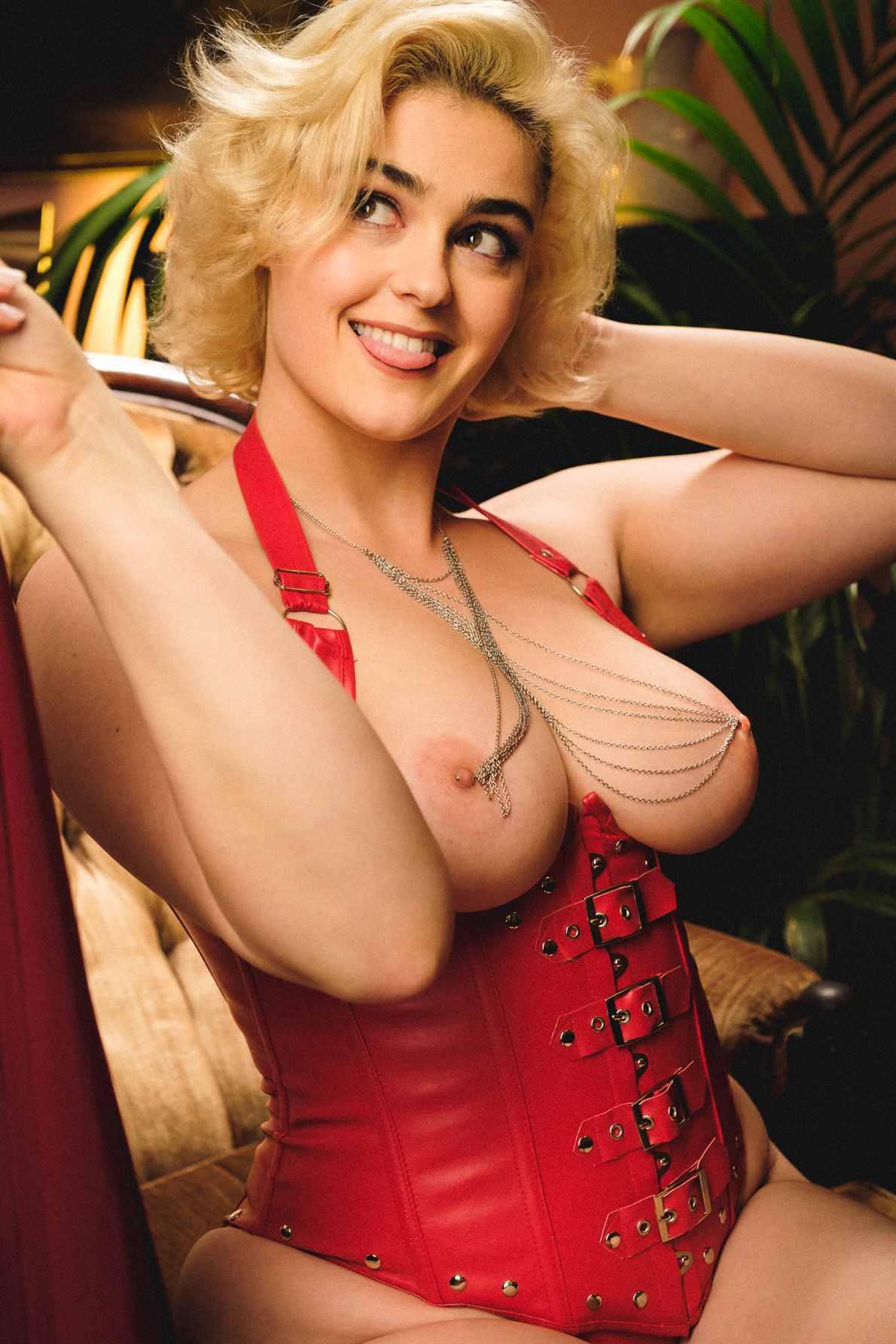 Stefania Ferrario Leaked Nude Photos 0002