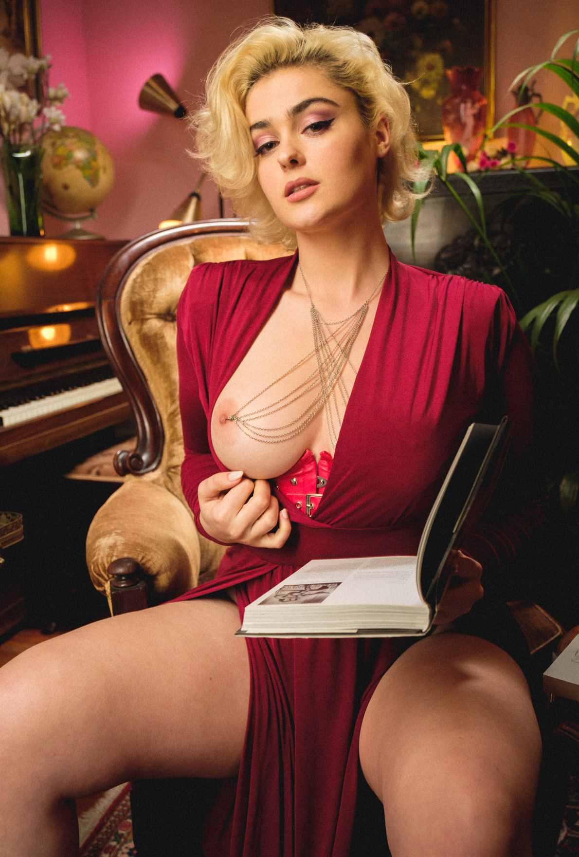 Stefania Ferrario Leaked Nude Photos 0023