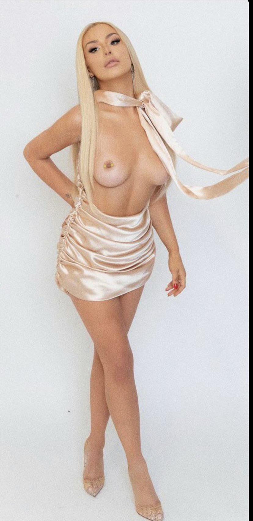 Tana Mongeau Nude Onlyfans Leaked 0012