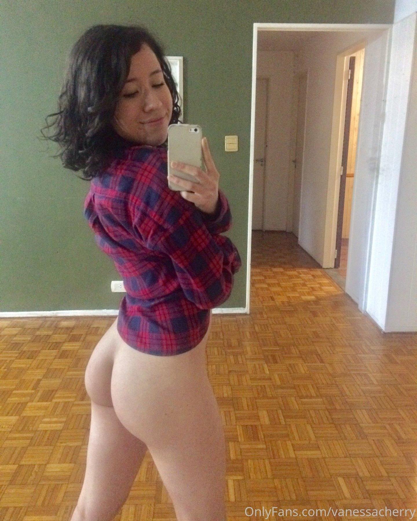 Vanessacherry Onlyfans Nude Leaks 0005
