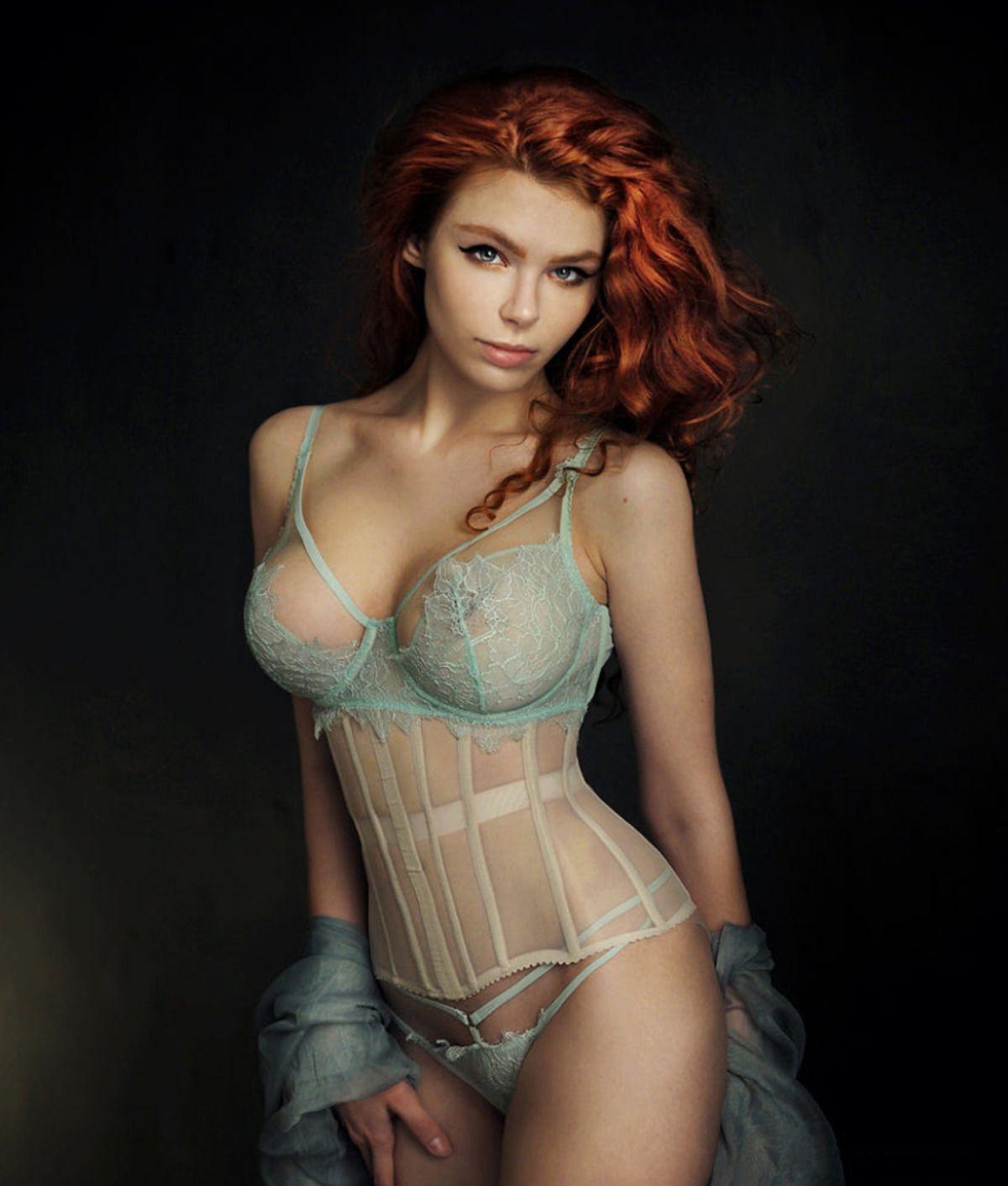 Carolina Tiki Vulpes Nudes 0001