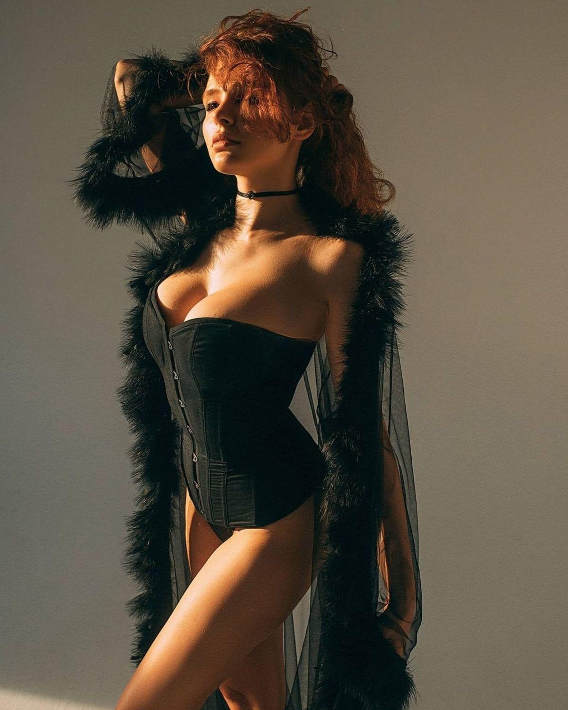 Carolina Tiki Vulpes Nudes 0004