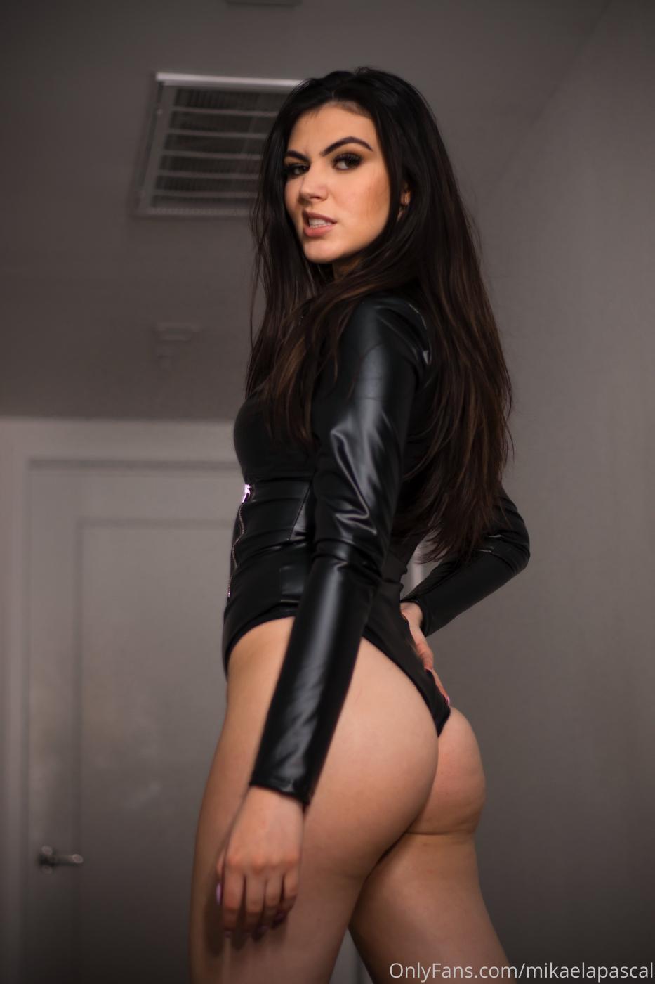 Mikaela Pascal Sexy Leather Bodysuit Onlyfans Set Leaked 0003