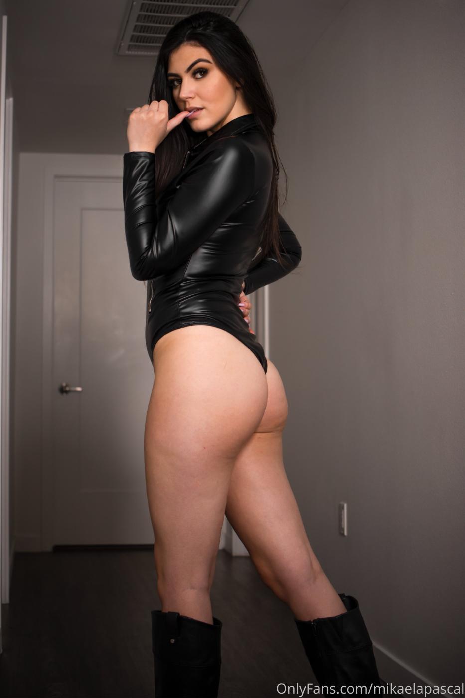 Mikaela Pascal Sexy Leather Bodysuit Onlyfans Set Leaked 0017