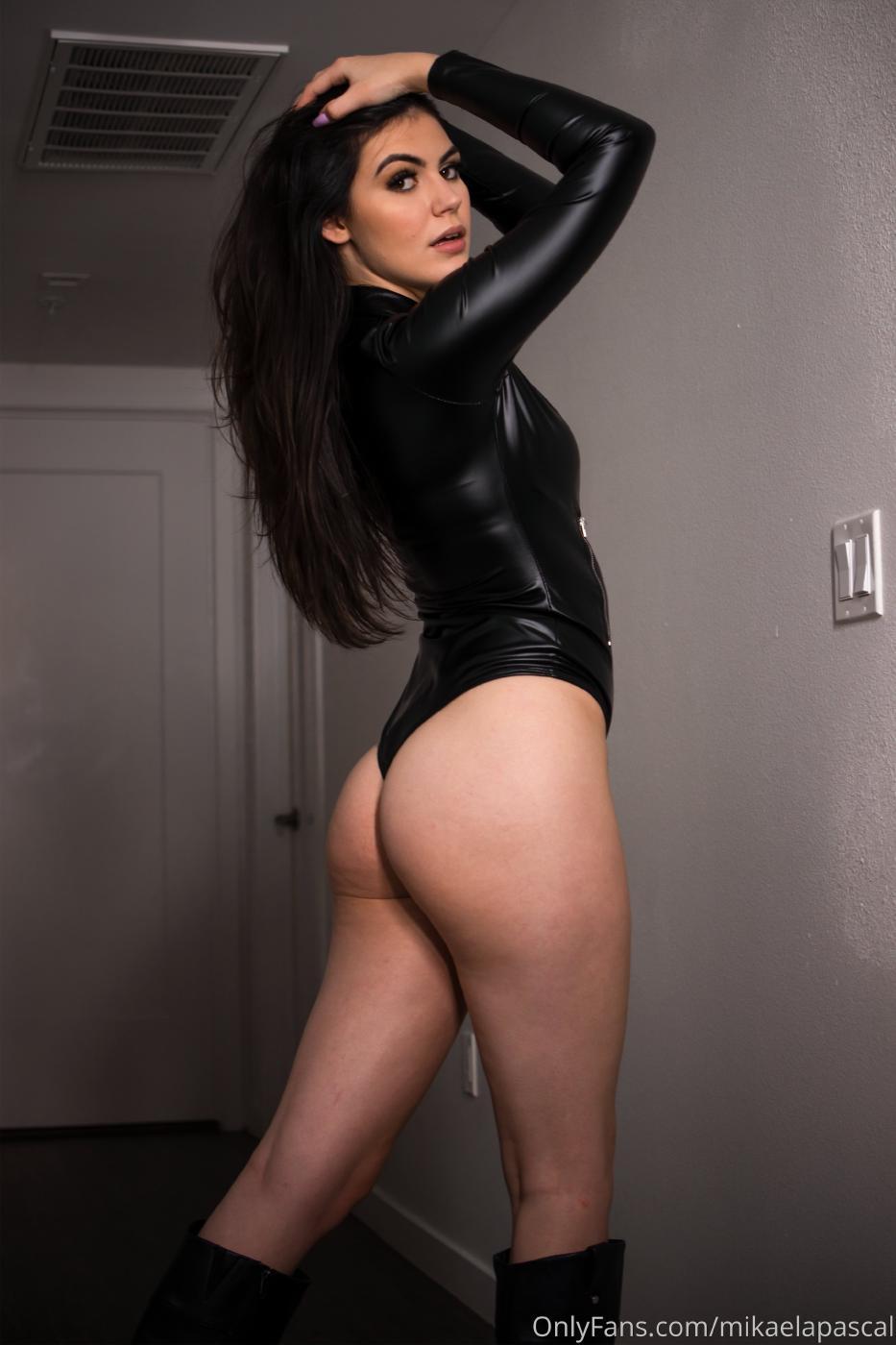 Mikaela Pascal Sexy Leather Bodysuit Onlyfans Set Leaked 0019