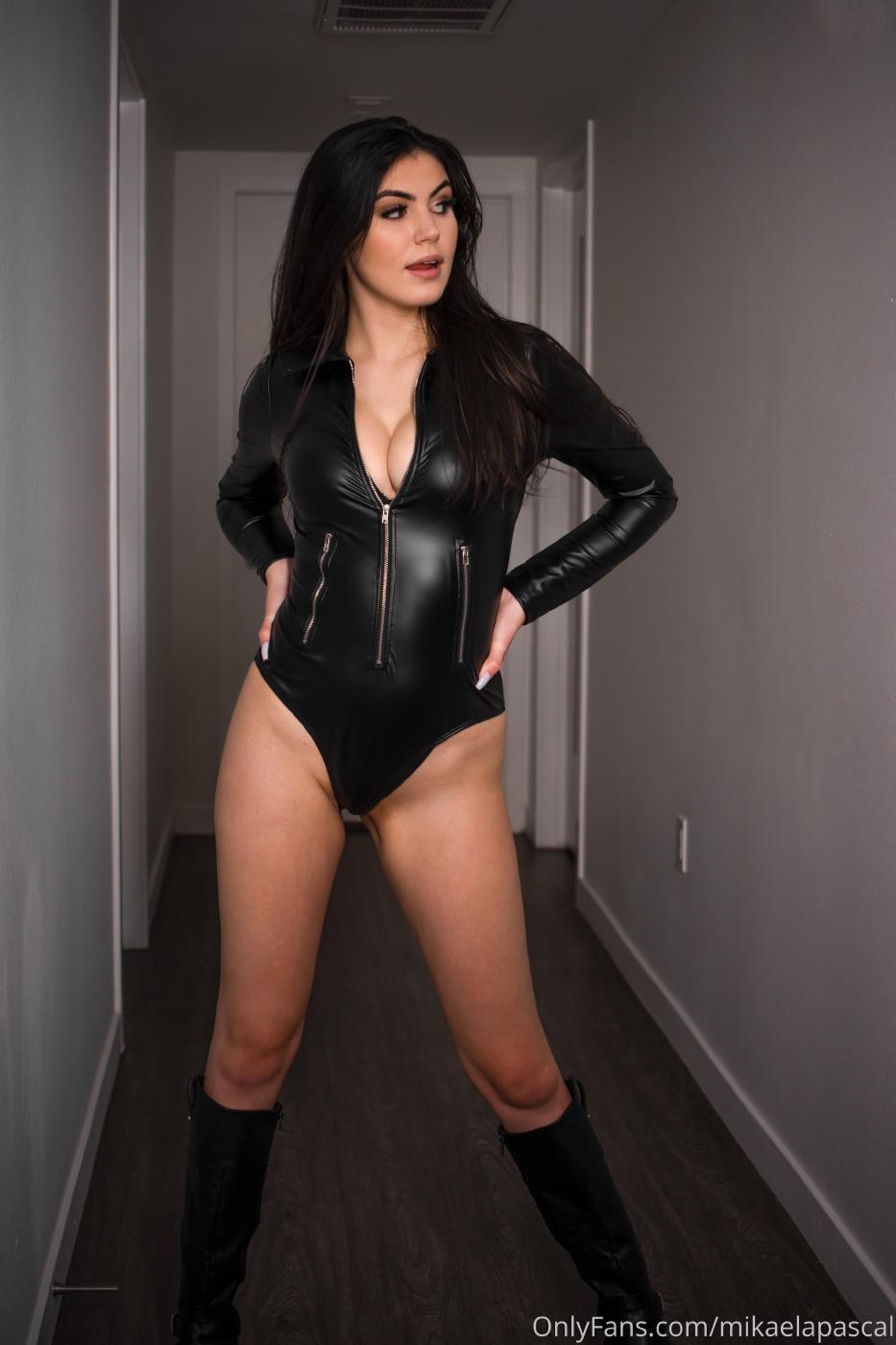 Mikaela Pascal Sexy Leather Bodysuit Onlyfans Set Leaked 0020