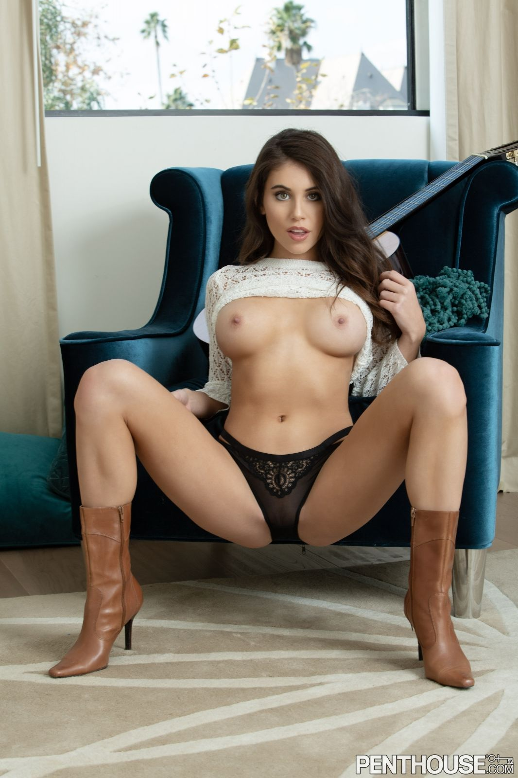 Violet Summers Nude Leaked Photos 0140