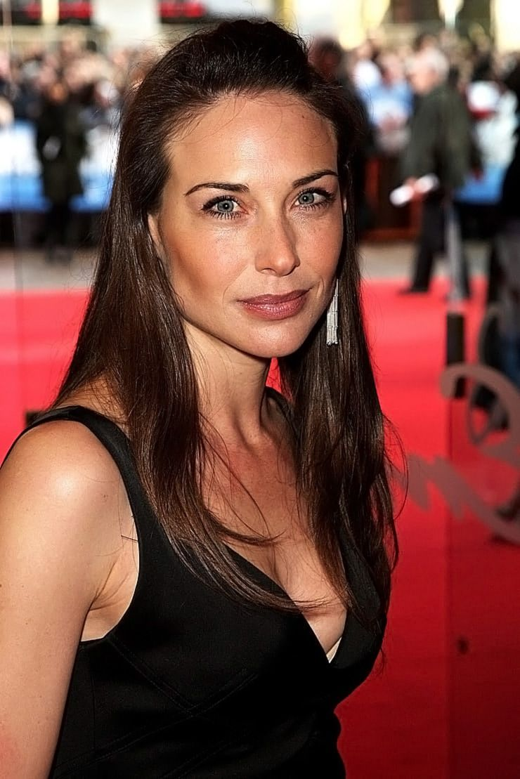 0226175619844 032 Claire Forlani Nude Naked Sexy Topless 2 T