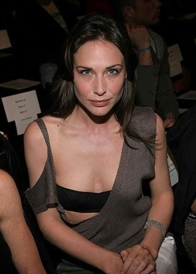 0226175619844 051 Claire Forlani Nude Naked Sexy Topless 33