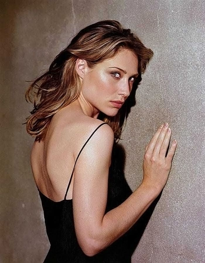 0226175619844 053 Claire Forlani Nude Naked Sexy Topless 35