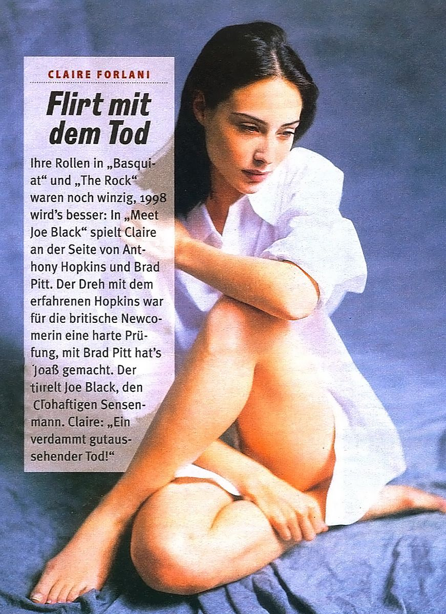 0226175619844 085 Claire Forlani Feet Hot Sexy Cleavage 13 T