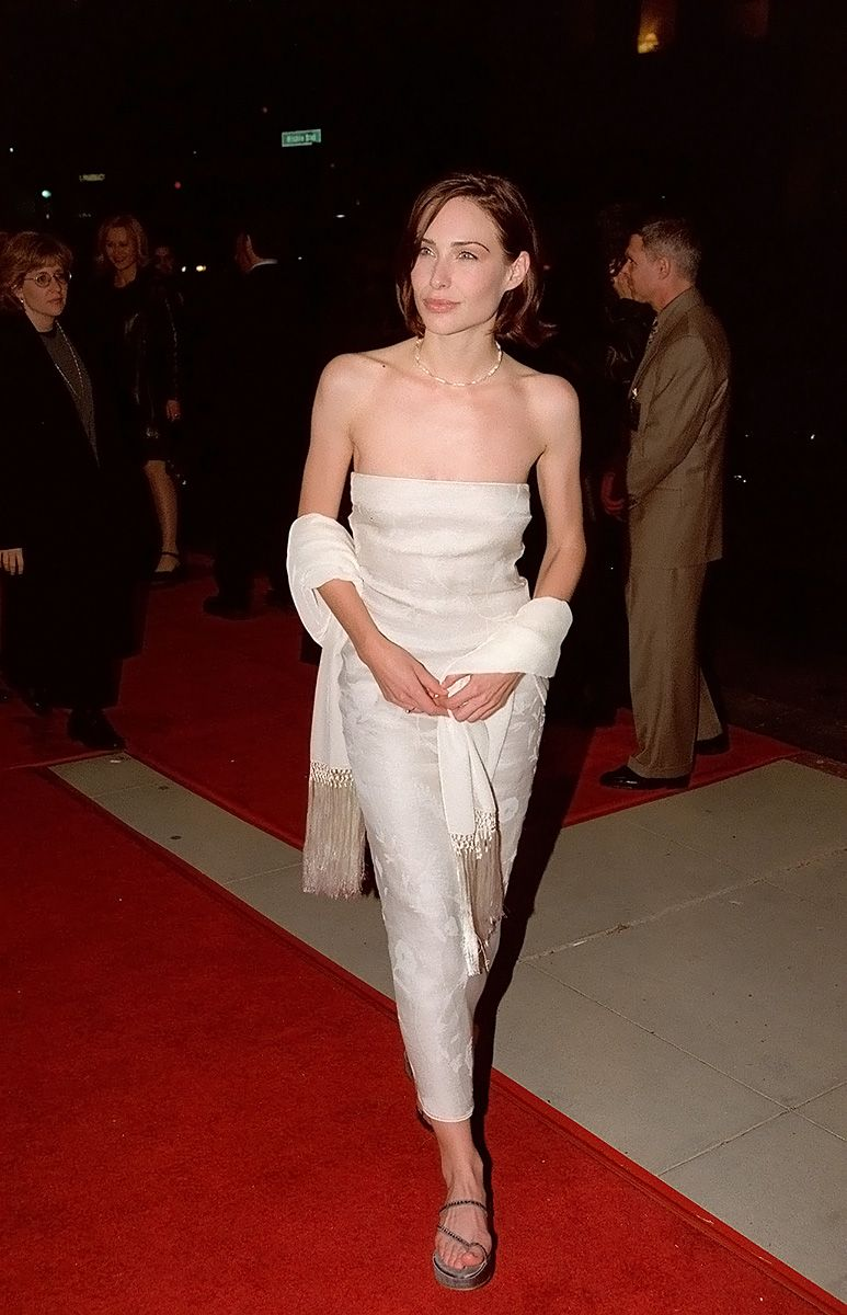 0226175619844 098 Claire Forlani Feet Hot Sexy Cleavage 26 T