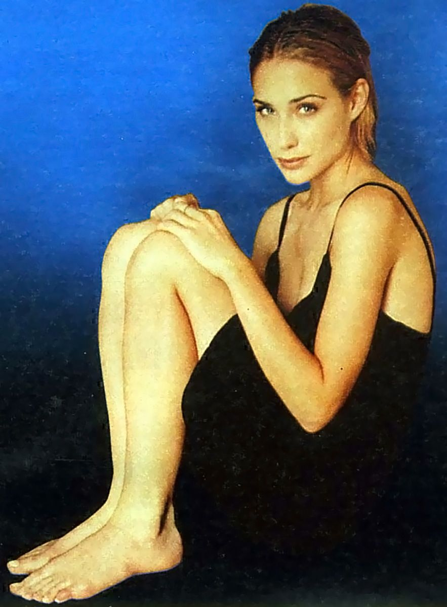 0226175619844 105 Claire Forlani Feet Hot Sexy Cleavage 34 T