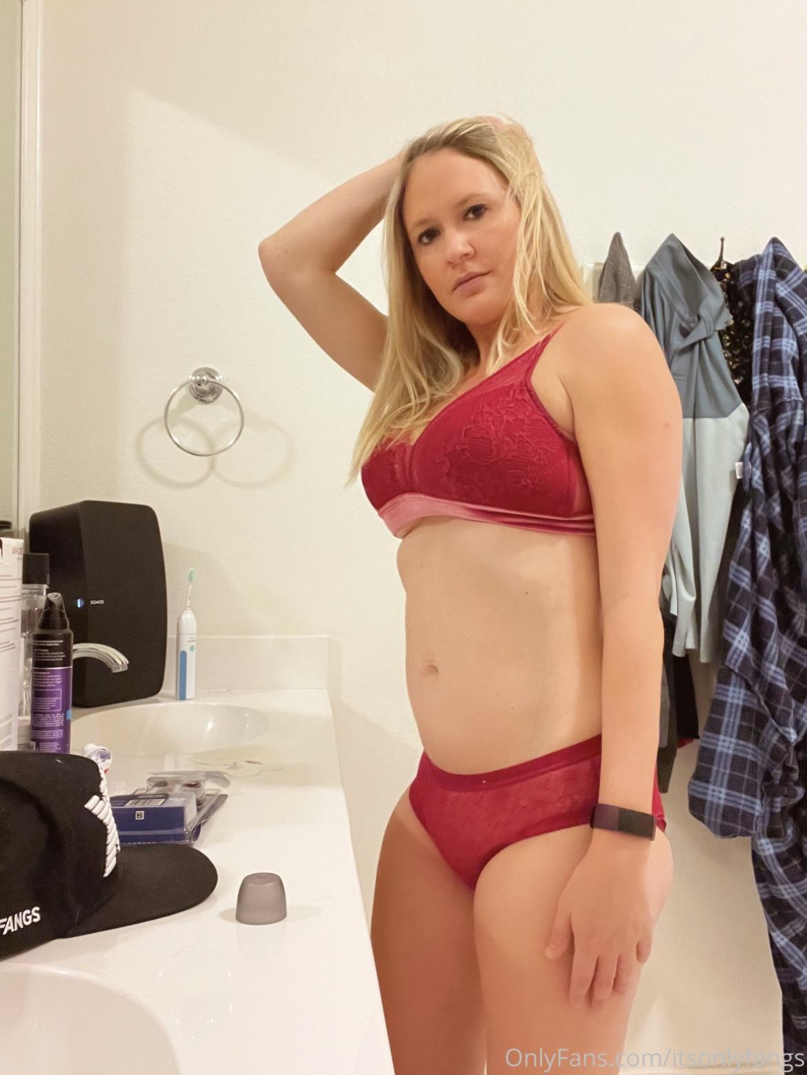 Fangs Nude Shower Onlyfans Content Leaked 0019