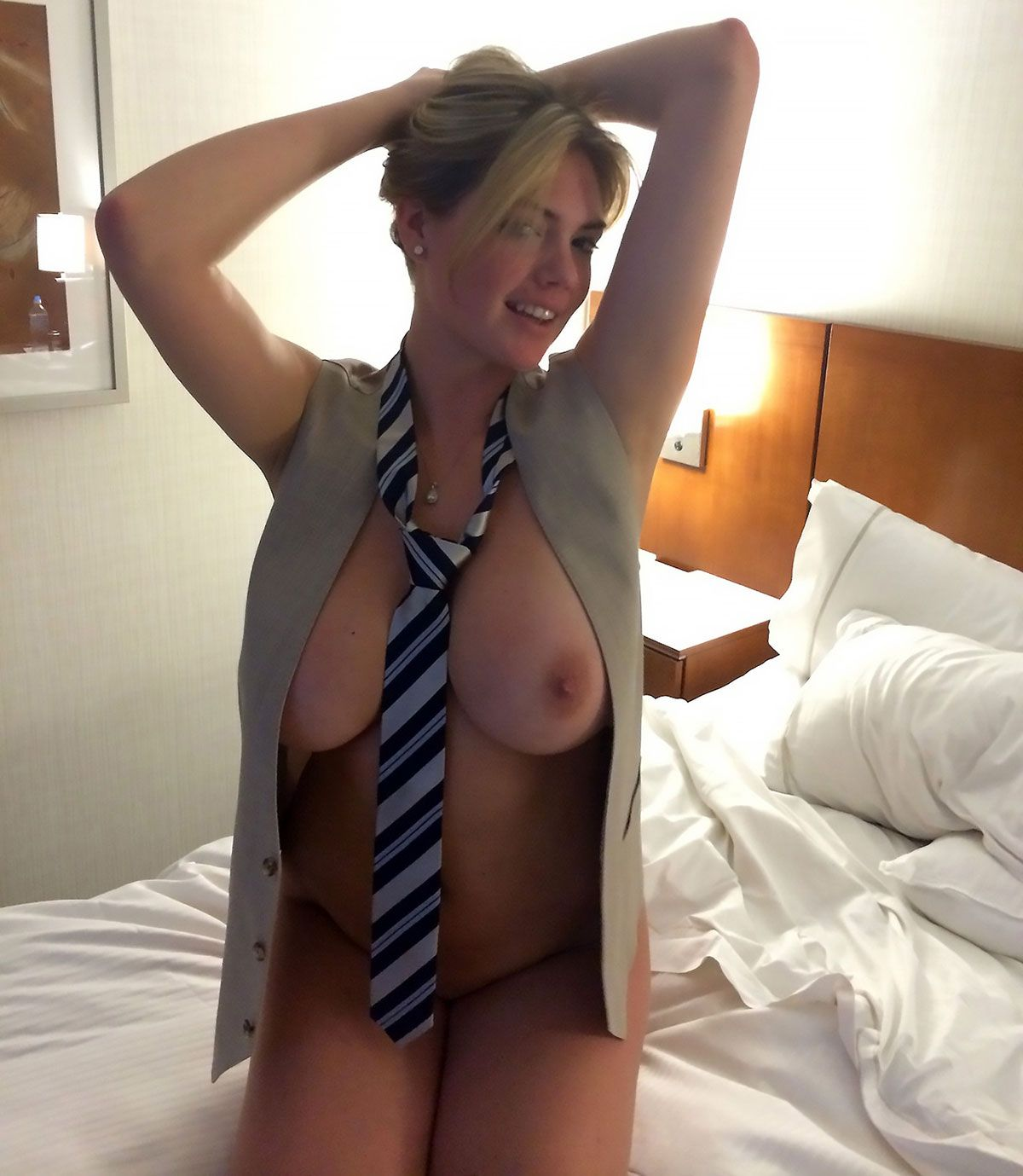 Kate Upton Nude Leaked The Fappening 0002